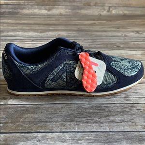 New Balance 555 Women's Navy Blue Sneaker size 9.5
